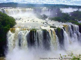 Iguaçu_falls1_11-11-13