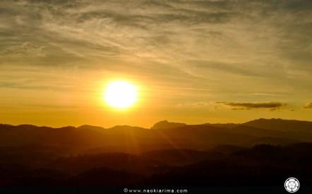 Sol se pondo atrás dos Cinco Pontões. Tempo restante para abrir