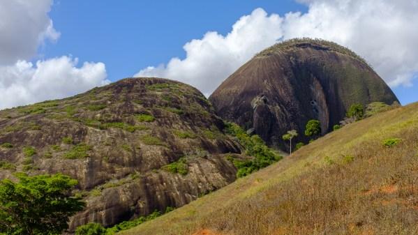 Pedra da Andorinha - Gato Preto (3o, IV, D1, E3, 278m)