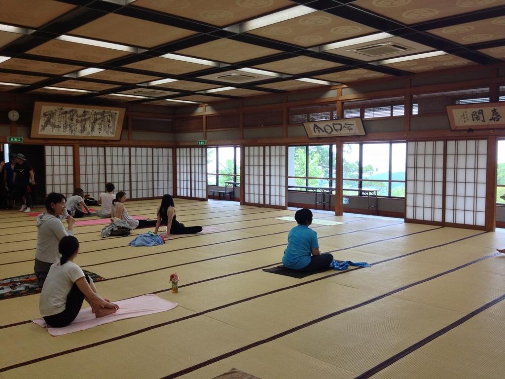 Yoga at Yakuōin Temple