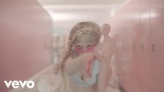 Petite Meller Milk Bath video