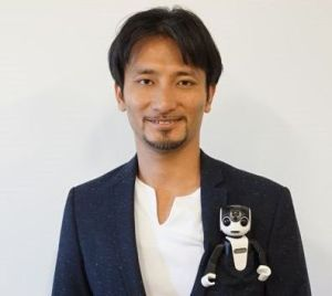 RoBoHoN-takahashi