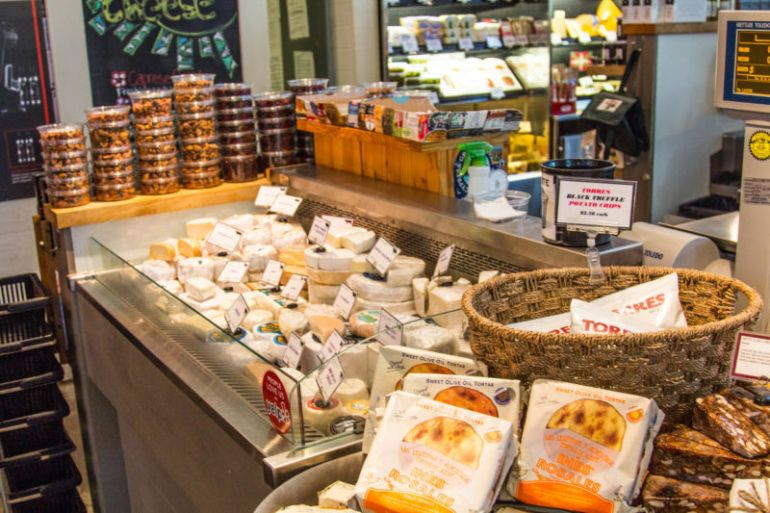oxbow cheese case 1 (1 of 1)