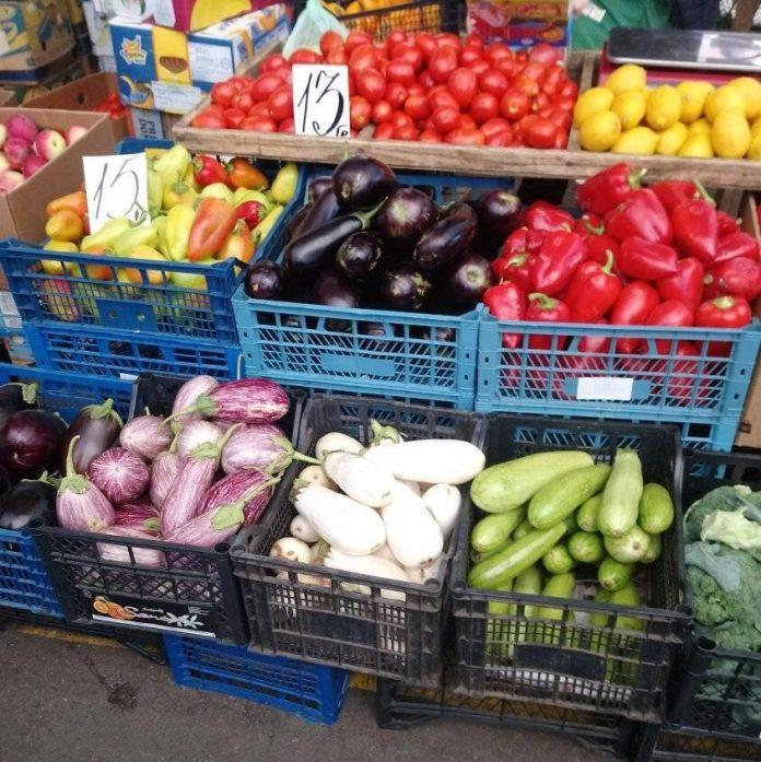 Осінній «Привоз»: розповідаємо про ціни на овочі та фрукти
