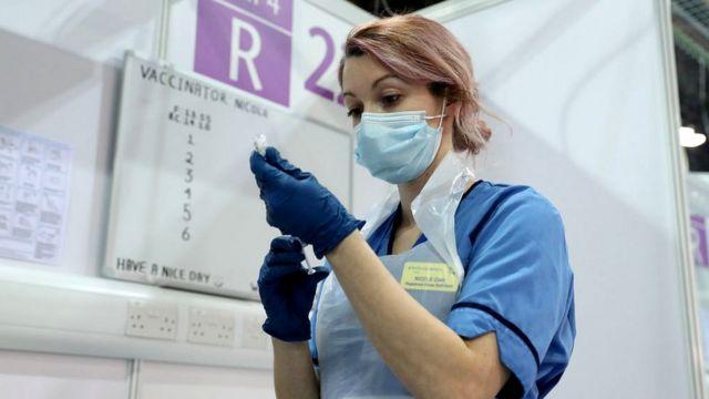 Украина: 150 080 человек привито от коронавируса за сутки