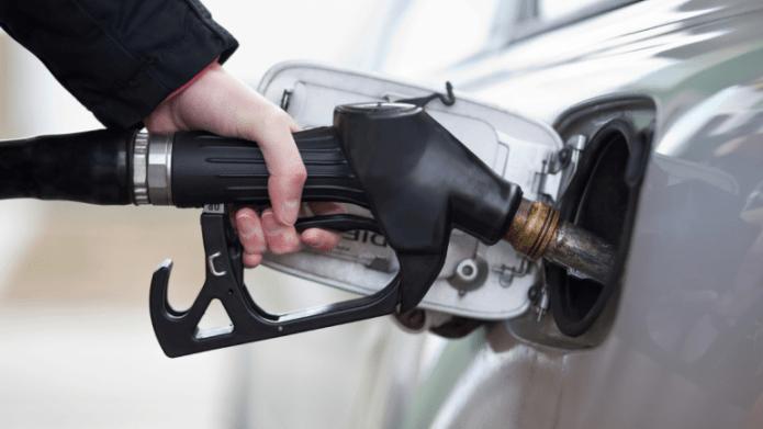 Крупные сети повышают цены на бензин и дизтопливо