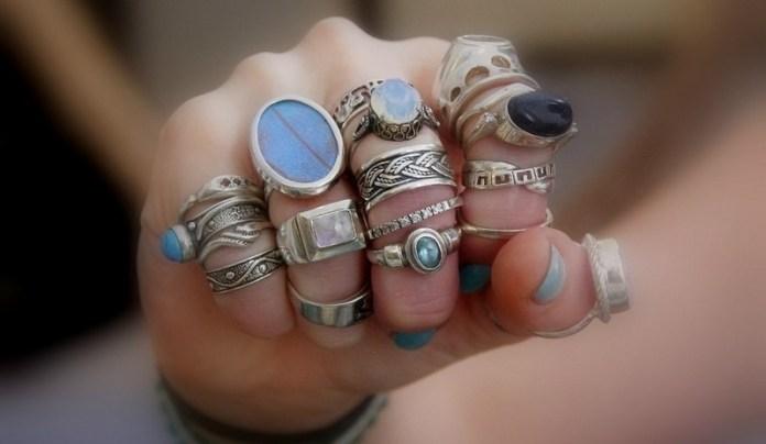 Непростая наука: как правильно носить кольца?