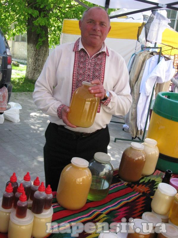 Пасечник из Львовской области раскрыл секреты настоящего меда