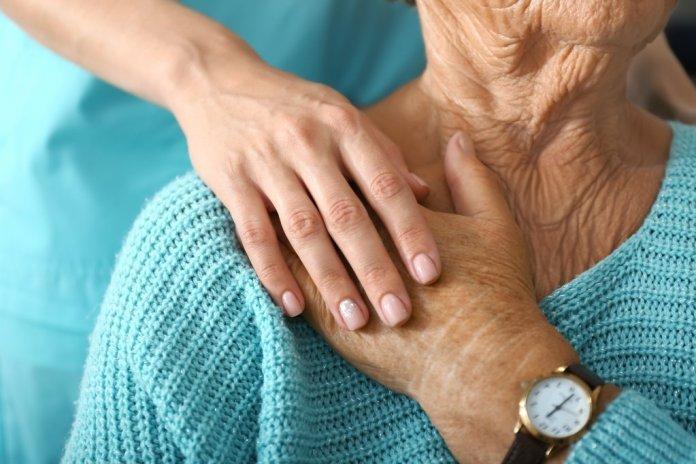 Кто поможет больному пенсионеру
