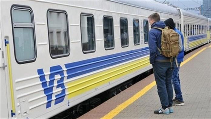 «Укрзалізниця» назвала тих, кому COVID-сертифікати для поїздок не потрібні