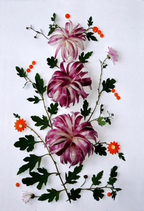 Известная художница для петриковской росписи использует овощи и фрукты
