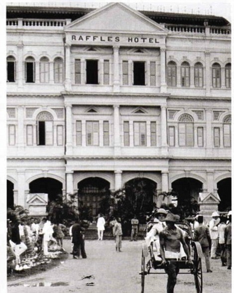 guests being carried on trishaws at the turn of the century. Courtesy of Raffles.