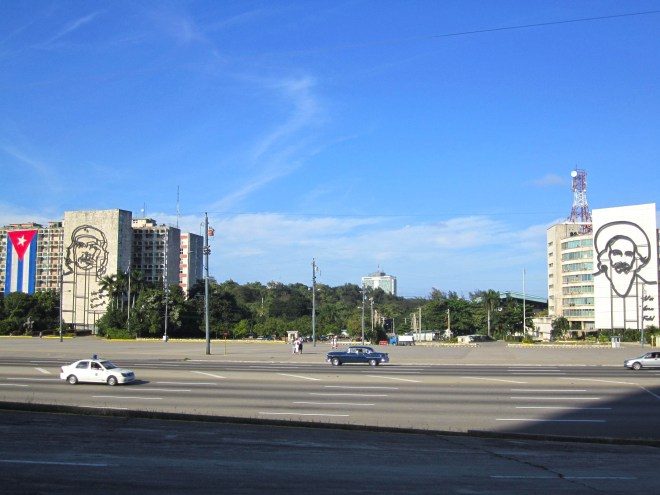 Plaza de la Revolución with the famous Che Guevara image with his well known slogan of