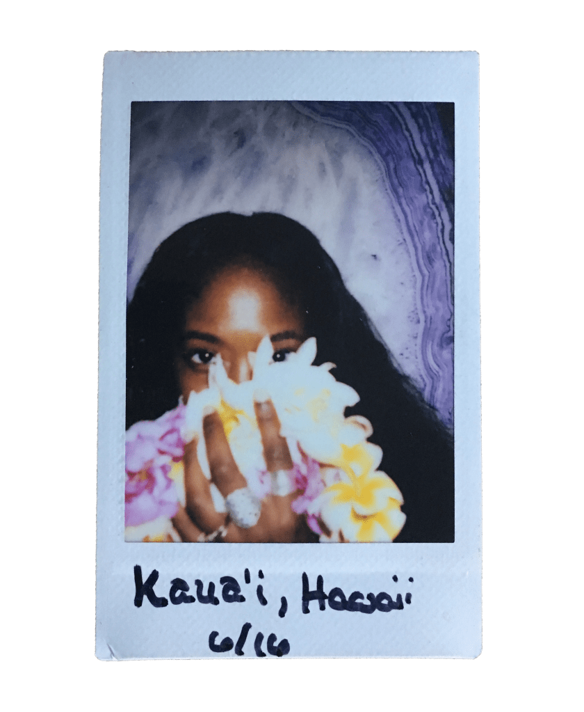 hawaii-floral-selfie-polaroid