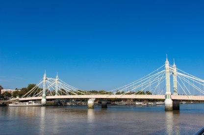 My favorite bridge in London, Albert Bridge. It's so princess-y.
