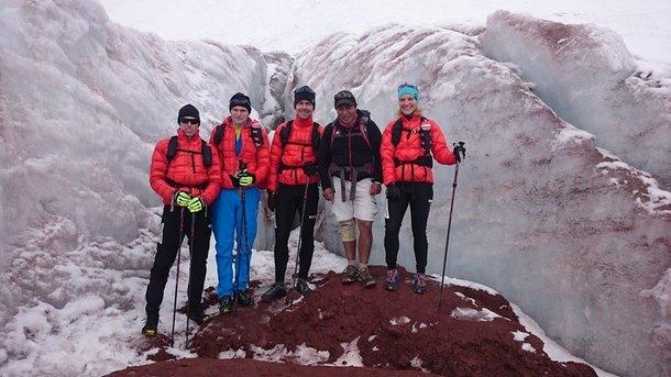 Ekipa Haglofs na lodowcu w okolicach... Cotopaxi. Aklimatyzacja trwa. Foto Profil FB Haglofs Silva