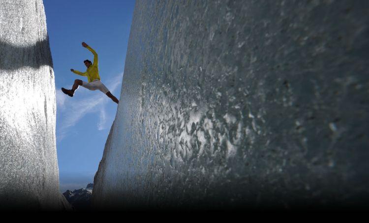 Kilian Jornet porusza się szybko i sprawnie nawet w bardzo trudnym terenie. Skały, szczeliny lodowcowe, grań wąska jak żyletka - nie są dla niego przeszkodą by biec. Fot. Materiały projektu Summits of my life