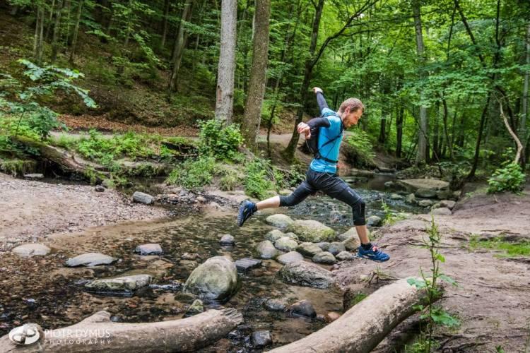 Potoki na trasie Tricity Trail mają iście górski charakter. Fot. Piotr Dymus
