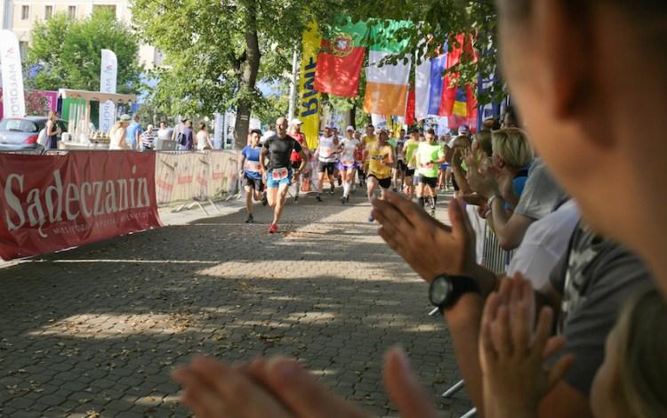 Bieg na kilometr ostatniego dnia Iron Run. Fot. Materiały Festiwalu Biegowego