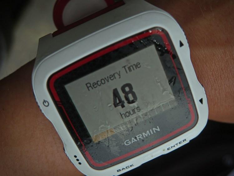 Po biegu na Śnieżkę w ramach Korony Gór Polski zegarek oznajmił, że mój czas odpoczynku wyniesie 48 godzin. Fot. Viola Piatrouskaya