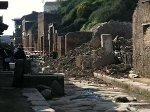 Crolla l'armeria dei Gladiatori Così si sbriciolano gli scavi