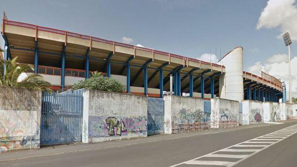 Assurdo Catania tifosi del Milan picchiati, derubati e denudati.