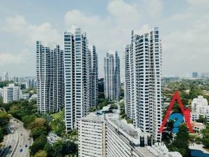Что выгоднее: дарение или купля-продажа квартиры