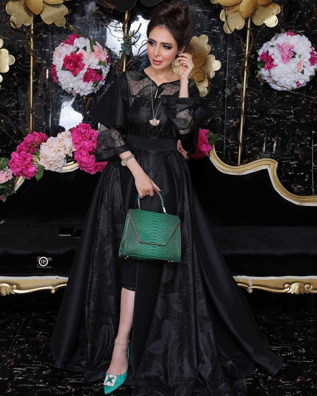 011 Aisha Almuhairi Naqqsh Com