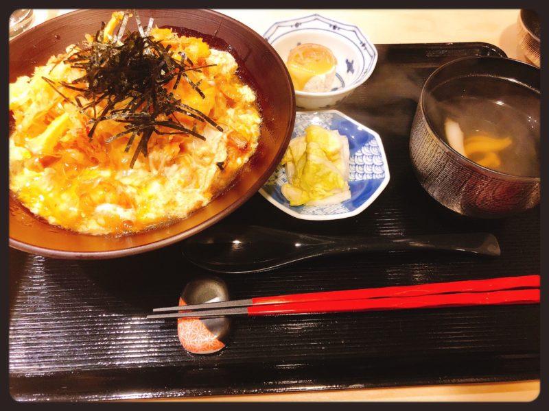 瑞穂海老と野菜のかき揚げ卵とじ丼