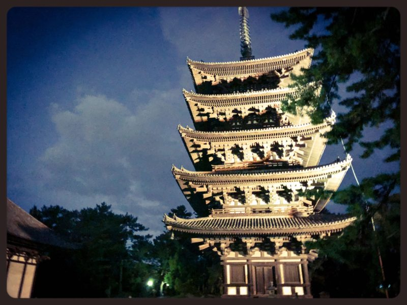 興福寺五重塔ライトアップ