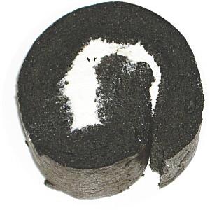 竹炭パウダー・黒糖入りロールケーキ