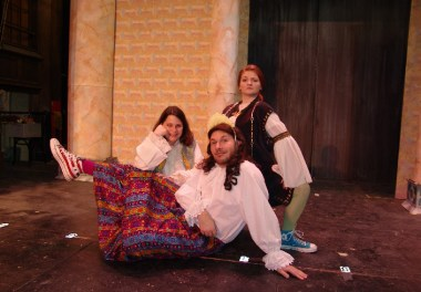 compleat-wrks-of-wllm-shkspr-abridged-2006-narberth-community-theatre-4