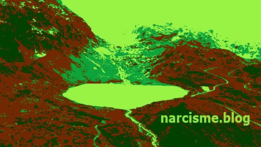 meer in de bergen voor narcisme.blog