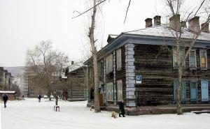 1024px-Old_style_construction_in_Krasnoyarsk