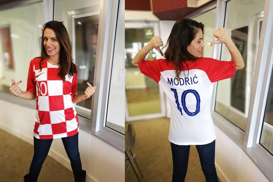 Nives Ivanišević s novim dresom Hrvatske nogometne reprezentacije (foto: Narodni)