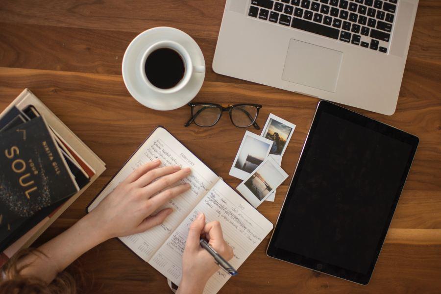 Bienvenue sur narrationetcafeine.fr, le site pour apprendre comment écrire un livre