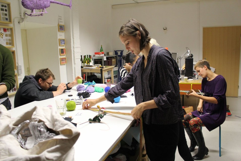A workshop we gave on Card Weaving technique that we learnt in Riga, at Kobakant Studios, Berlin
