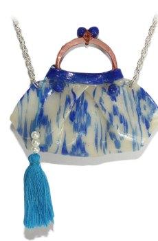 Collar bolso tela mallorquina CP16MP010az toma detalle en azul