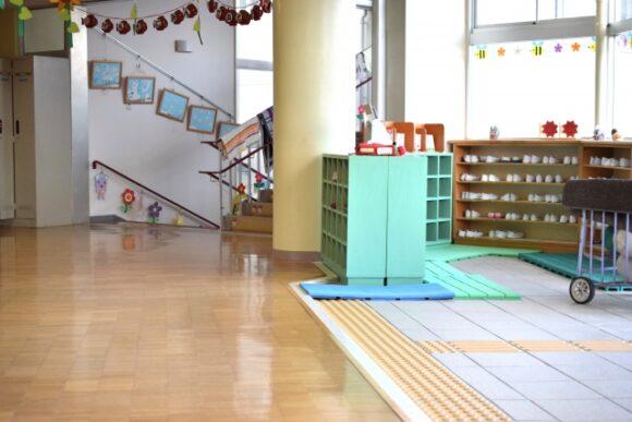 幼稚園の入り口