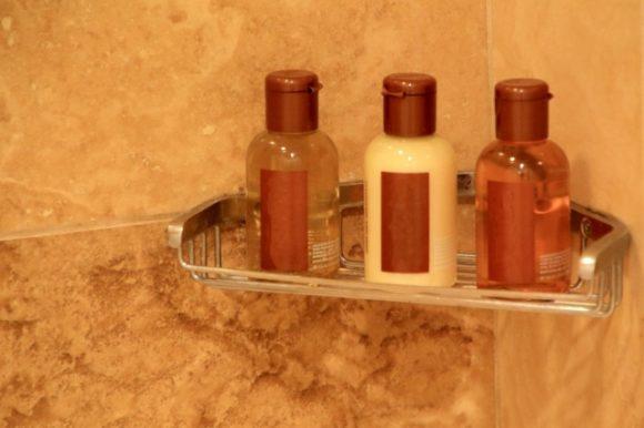 浴室内のシャンプー等