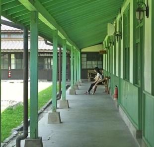 6.通気や採光が考慮された木造建築。