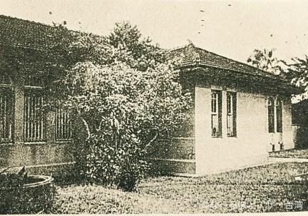 昭和22年5月に開校した最初の校舎。