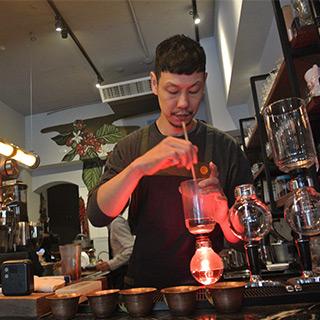 喝個咖啡休息一下吧! 「RUFOUS COFFEE」・2号店
