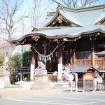 癌封じで有名な行田八幡神社の御利益とお守り、「なで桃」とは?