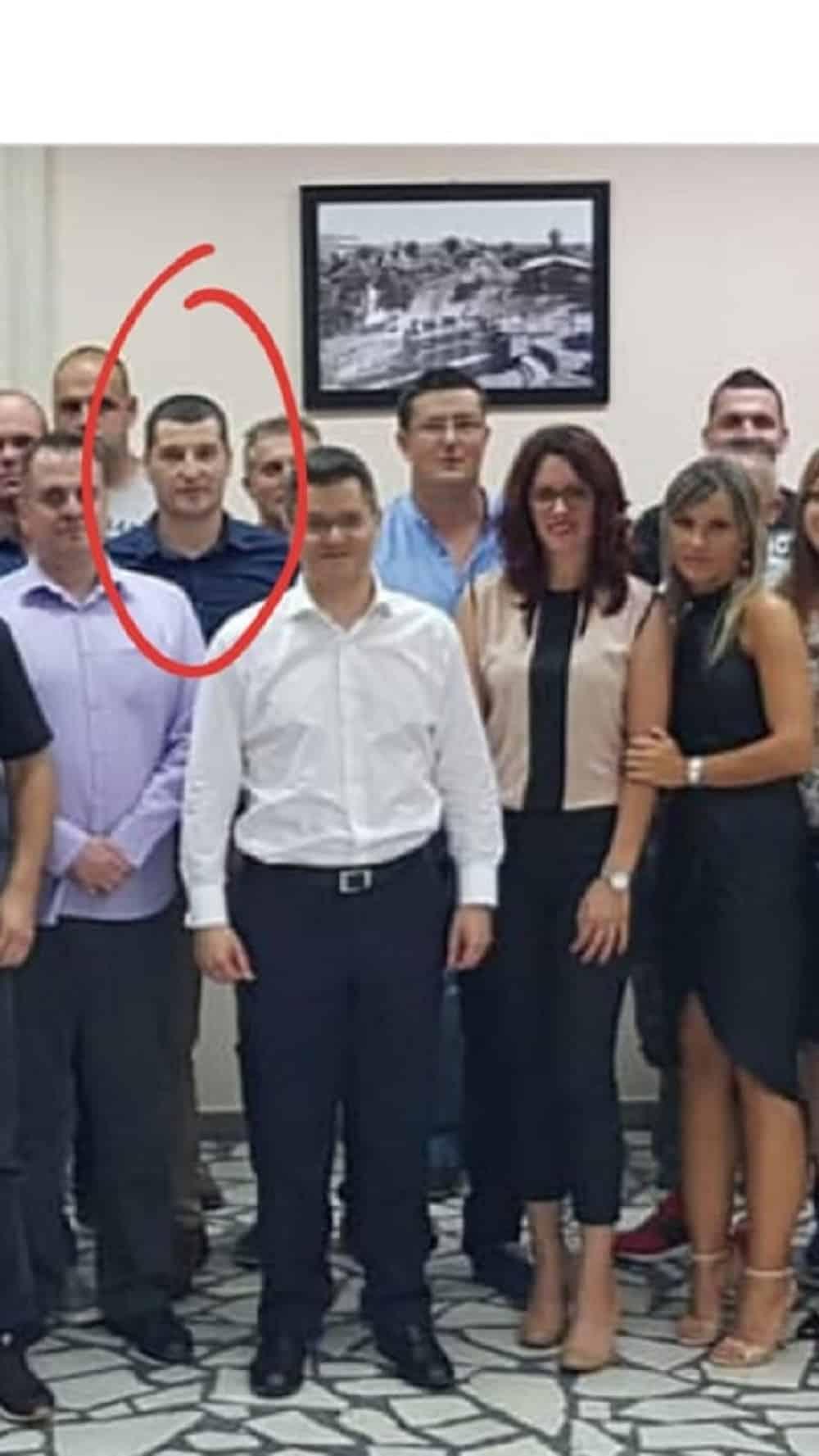NEVIĐENI SKANDAL: Uhapšen Jeremićev potpredsednik u prodaji paketića sa belim prahom! 1