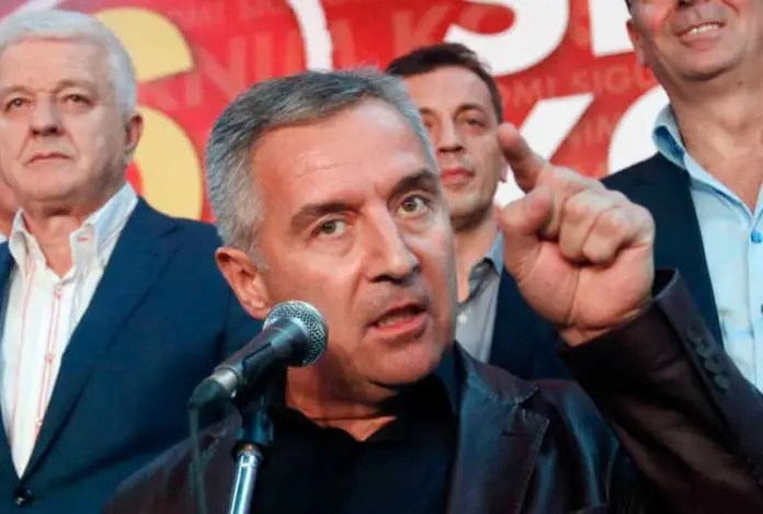 MILO SMIŠLJA PSINE: Zatvoren ulaz za Srbe u Crnu Goru 1