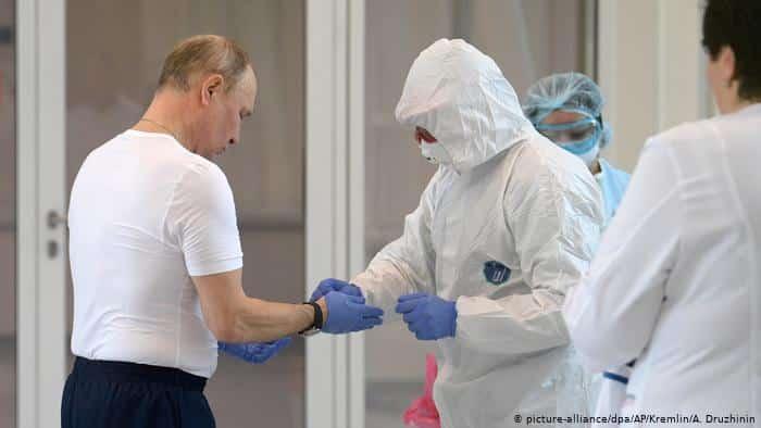 PUTIN SE OGLASIO: Primiću RUSKU vakcinu protiv virusa korona! 1