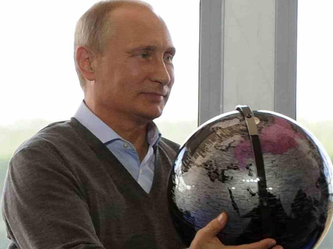 Putina gađaju ćorcima 1