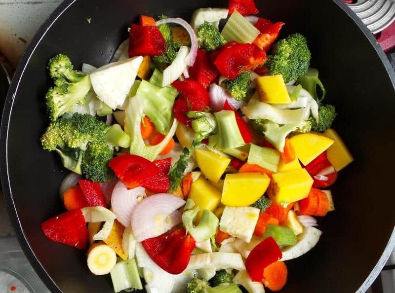 IMUNOLOG: Zdrava ishrana, vitamin D i cink za dobar odgovor imuniteta na virus 1
