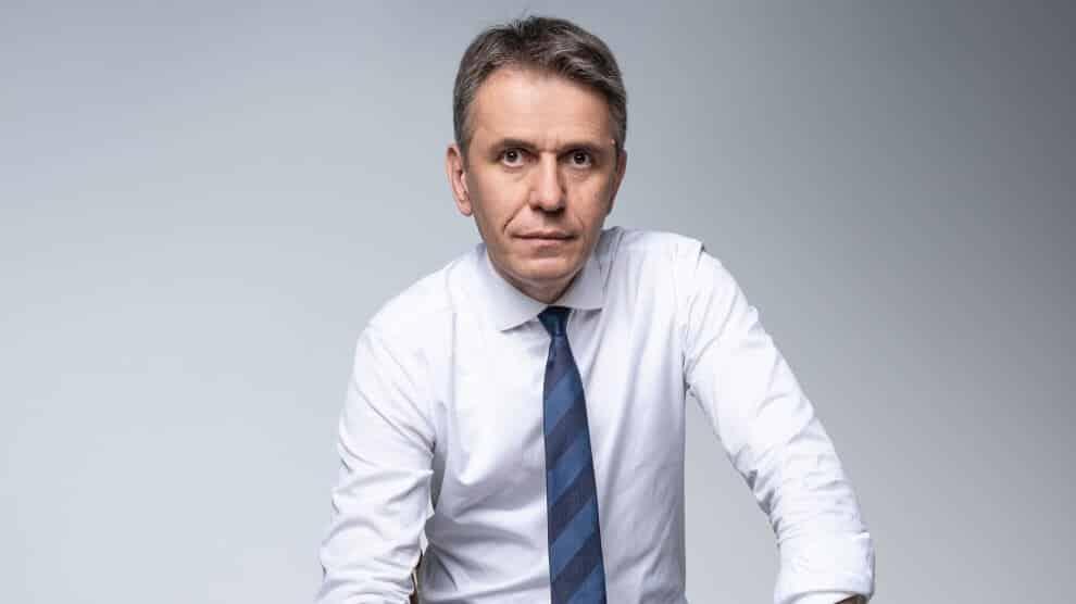 RADULOVIĆ: Vučićev režim sprovodi tajnu konvenciju, MERE SU SULUDE! 1